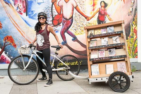 Alicia Tapia  and her bibliobicicleta    http://bibliobicicleta.com/about/